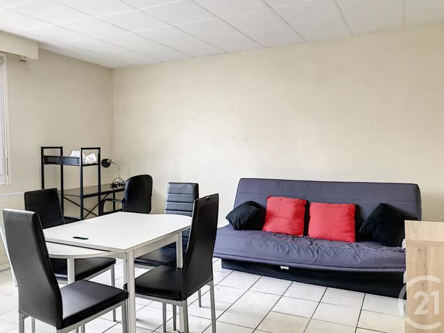 Appartement F1 à louer - 1 pièce - 27,0 m2 - TROYES - 10 - CHAMPAGNE-ARDENNE